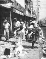 looting-in-Watts_1965
